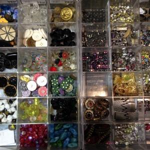 closeoutvintagebuttons beads1